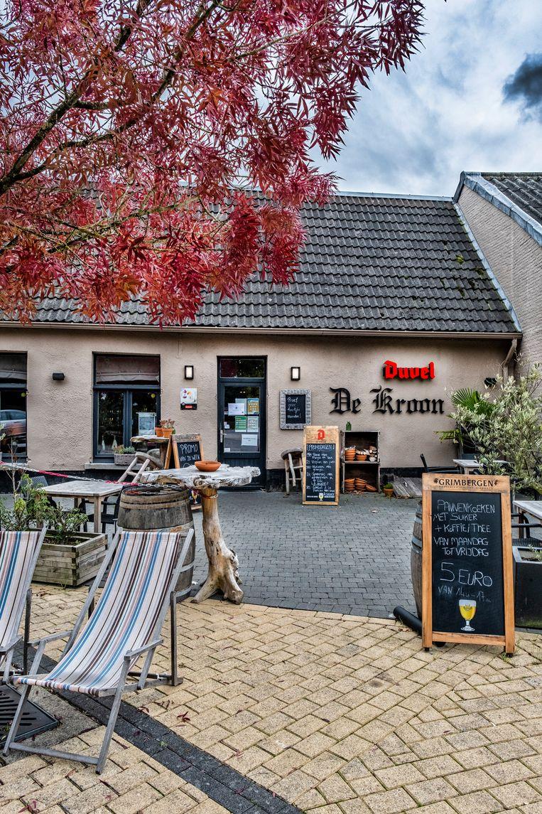 De Kroon in Zandhoven, waar 'de cokebroers' voor 700.000 euro aan verbouwingen uitvoerden.  Beeld Tim Dirven
