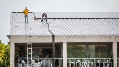 Er komen 340 zonnepanelen op dak van tennishal, ook Koksijdenaren moeten meedoen