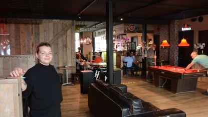 """Liselotte (24) opent nieuwe horecazaak in coronatijden: """"Het grote openingsfeest van Bar'Lot volgt later nog wel"""""""