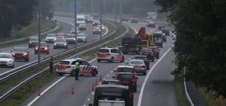 Doorgetrokken streep op A73 moet het bij opritten snelweg veiliger maken