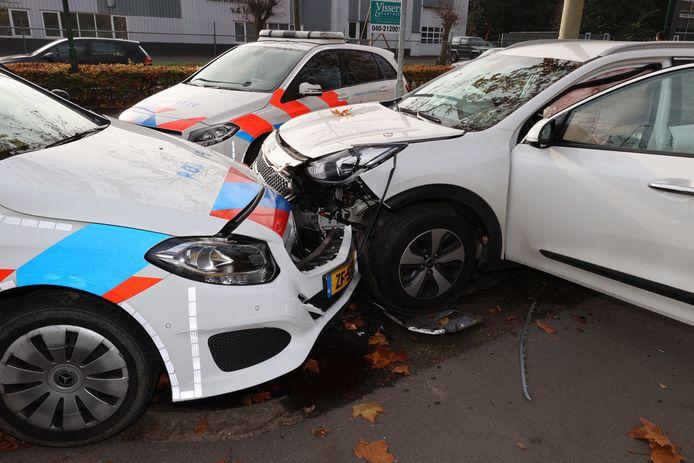 Na een levensgevaarlijke achtervolging door Eindhoven, waarbij een drugsgebruiker onder andere op een kinderklas inreed, offerde de politie in Waalre de eigen auto's op om hem te stoppen.