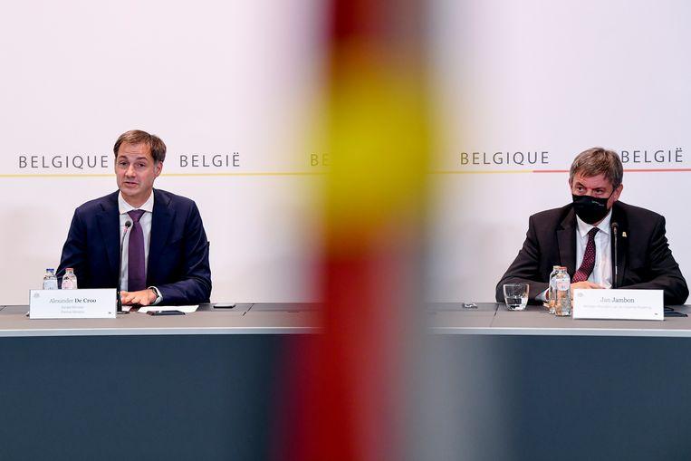 Premier De Croo en Vlaams minister-president Jambon. Beeld EPA