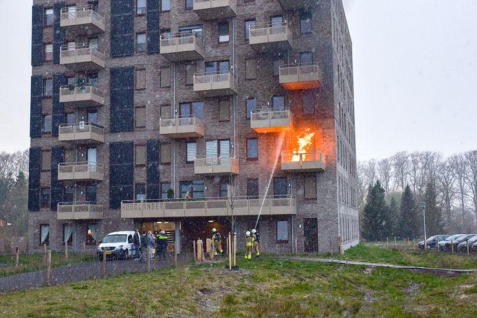 Brand op balkon in Tilburg.