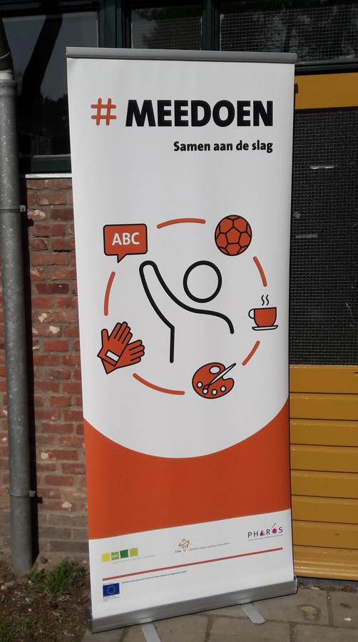 Op het asielzoekerscentrum in Oisterwijk worden de bewoners sinds kort aangespoord om 'mee te doen' aan de samenleving.