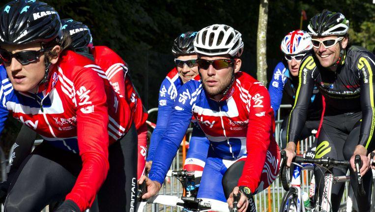 Mark Cavendish krijgt een sterke Britse ploeg rondom zich. Beeld AFP