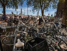 Binnenstad van Kampen knapt op door pilot met fietsparkeren
