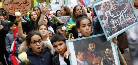 Demonstranten voor Rif-activisten boos op Aboutaleb omdat hij stille tocht in avond verbiedt