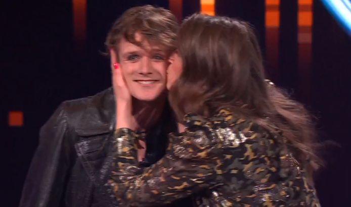 Marieke moést Nick even een kus geven.