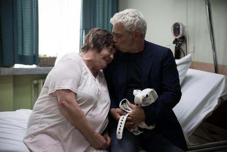 Viviane De Muynck en Stany Crets als moeder en zoon. Beeld RV
