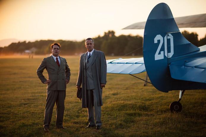 Hoofdrolspelers Daan Schuurmans (rechts) en Fedja van Huet van de dramaserie Vliegende Hollanders.
