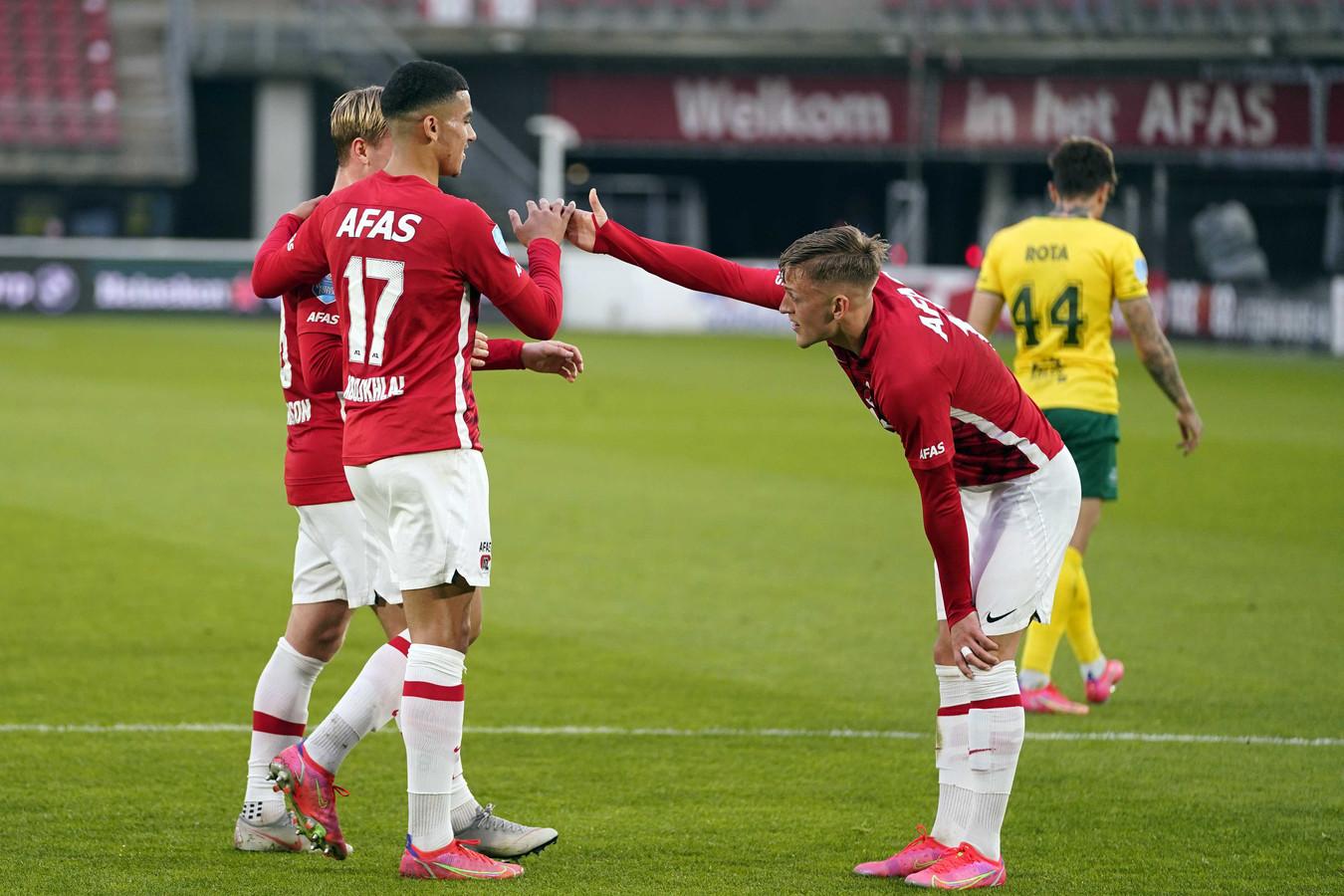 Tiental AZ neemt plek twee over van PSV na nipte zege op Fortuna.