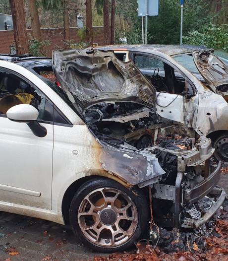 Drie auto's bij Visio De Blauwe Kamer Breda uitgebrand, directeur: 'Ik geloof niet in toeval'