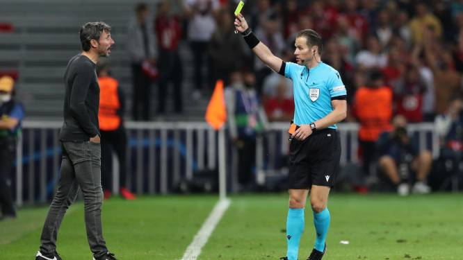 Mark van Bommel zeer tevreden met VAR Kevin Blom: 'Gelukkig heeft hij alles gezien'