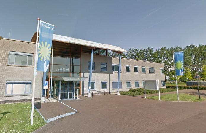 Het gemeentehuis van Nieuwkoop, gevestigd in Nieuwveen.