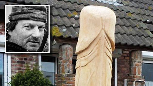 Kunstenaar Peter de Koning en de omstreden houten piemel.