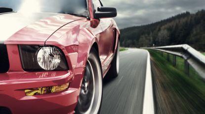 Meer dan 100 sportwagens beginnen plotse race op Duitse snelwegen