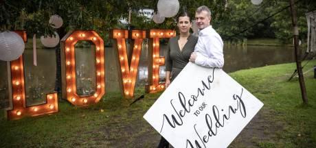 Bruiloftsbaas omzeilt coronaregels door verhuizing naar Duitsland: 'Hier kun je nog dansen'