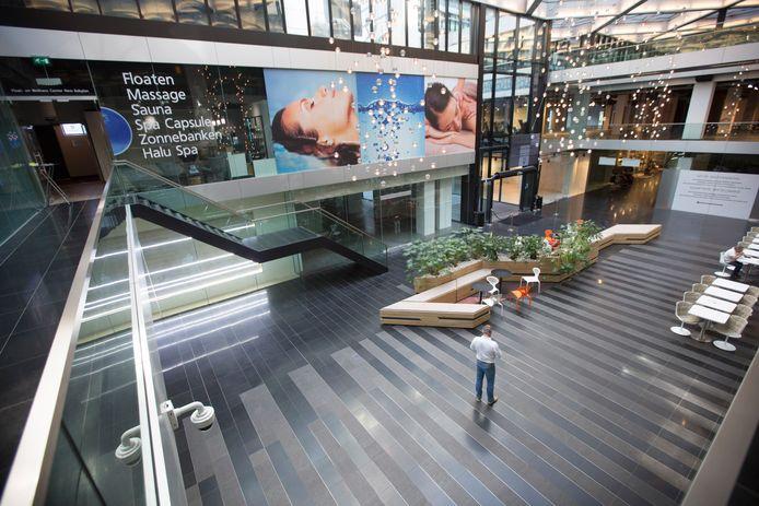 In winkelcentrum New Babylon is het zeer stil.
