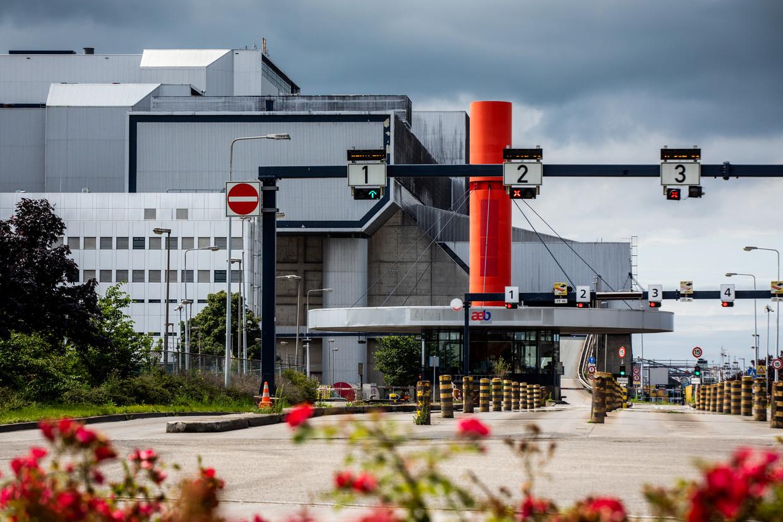 De afvalcentrale (AEB) heeft vier van de zes ovens moeten sluiten vanwege veiligheidsproblemen.