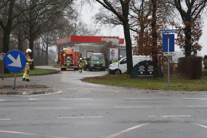 Naast het tankstation bij de Westdorplaan in Raalte was een sissend geluid te horen.