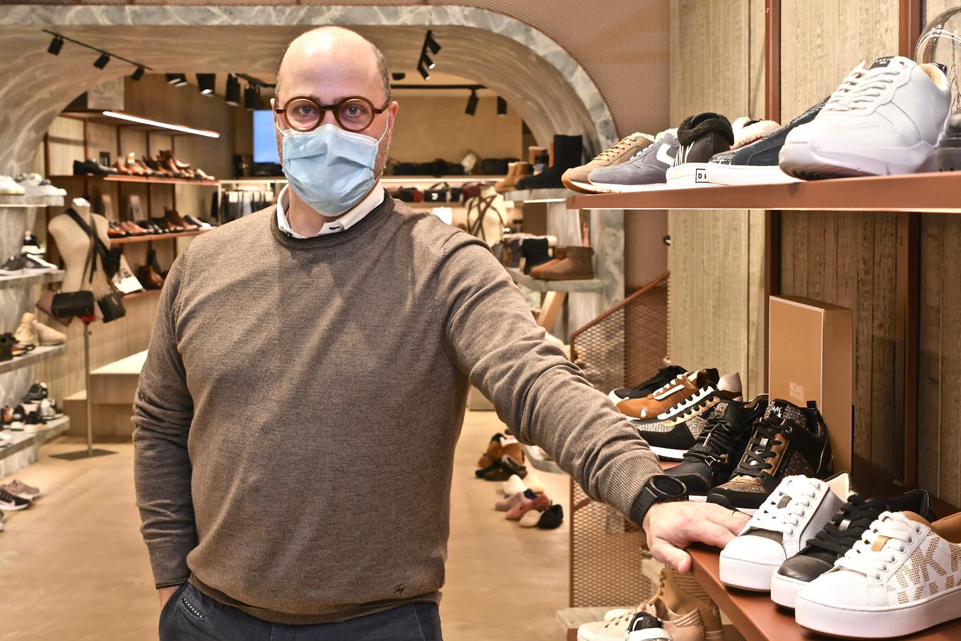 Philippe Logghe van schoenwinkels Rigi en Rigo One is bovenal blij dat hij opnieuw klanten mag ontvangen.