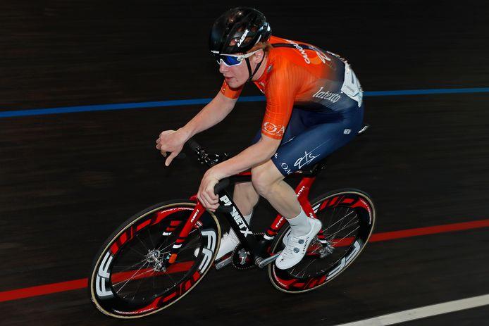 Jarne Jonckheere aan de slag op de piste in Gent. Hij kan niet tevreden zijn over z'n eerste seizoen bij de junioren.