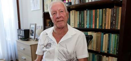 Leraar Ton Lohman (66) gaf zijn liefde voor boeken zijn leven lang door, maar gaat nu met pensioen