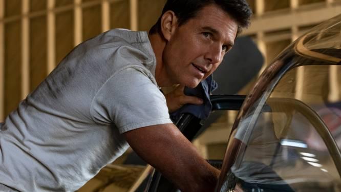Stomverbaasde wandelaars staan plots oog in oog met Tom Cruise die met parachute op pad landt