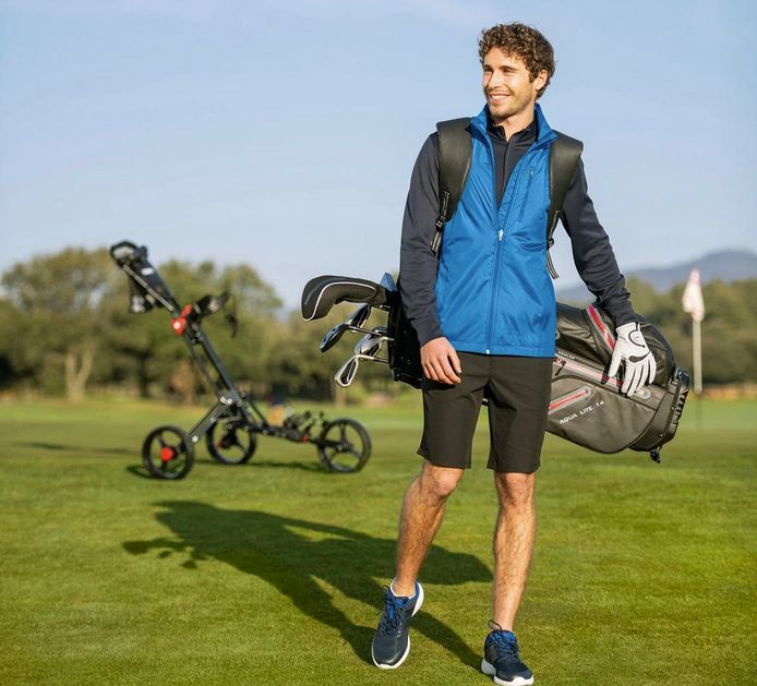 Een golfherenoutfit heb je voor 83,93 euro.