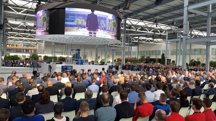 Koning onthult 'creatief brein' van Brainport Industries Campus in Eindhoven.