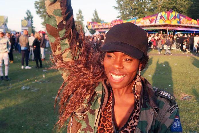 Imanuelle Grives a posté une photo d'elle au festival sur les réseaux sociaux.