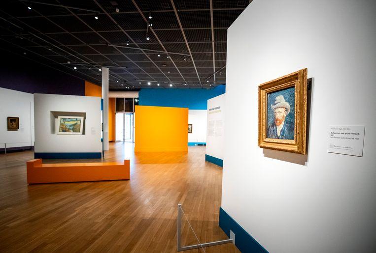 Het Van Gogh Museum in Amsterdam heeft de brief verworven waarin kunstschilders Vincent van Gogh en Paul Gauguin hun gezamenlijke bordeelbezoeken beschrijven. Beeld ANP