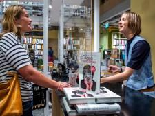 Marieke Lucas signeert: 'Het lijkt wel alsof ik de winnaar ben van het Songfestival'