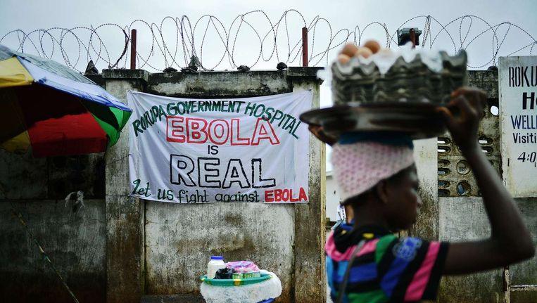 Het ebolavirus grijpt steeds sneller om zich heen. Tot nu toe vielen ruim 1500 doden. Beeld belga