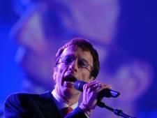 Robin Gibb, le chanteur des Bee Gees, est sorti du coma