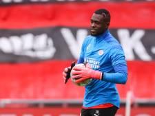 Mvogo wil zijn plek bij PSV volgend seizoen verdedigen: 'Schmidt was een zegen voor mij'