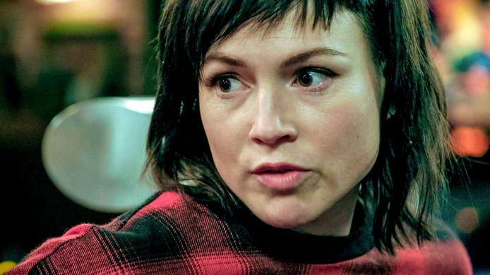 Erika Van Tielen als Amélie in 'Familie'.
