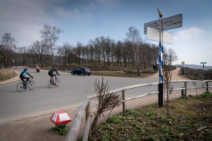 Rheden wil het gemotoriseerd verkeer op de Posbank aan banden leggen.