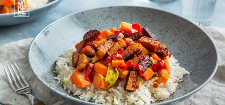 Wat Eten We Vandaag: Tempeh in ketjapsaus met wintergroenten en rijst