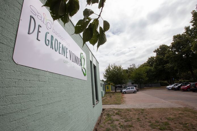 Vorige week werd de nieuwe naam van de school -De Groene Vlinder- onthuld.