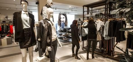 Modezaak Costes betrekt pand oude V&D op de Brink