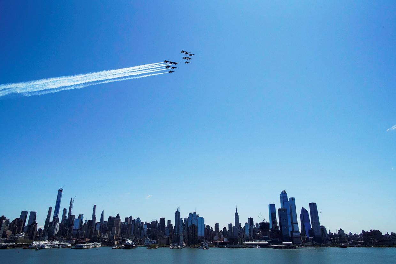 Straaljagers boven de stad New York.