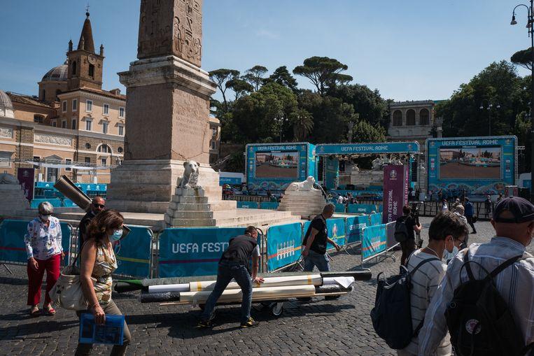 Het Piazza del Popolo is bijna klaar voor het Uefa-feest. Beeld Nicola Zolin