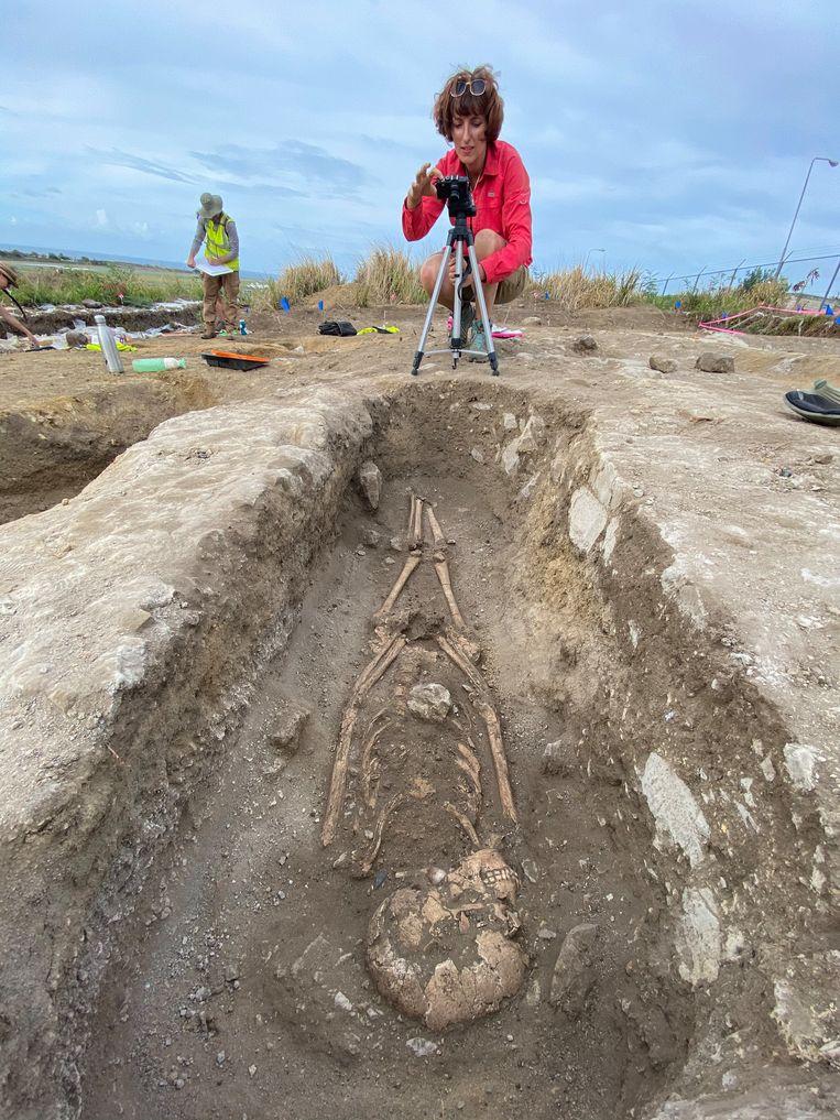 De archeologen hopen hun bevindingen te kunnen vergelijken met wat tot nog toe bekend was geworden van een soortgelijke begraafplaats op Barbados. Beeld Segar