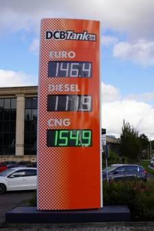 Megakorting op benzine verrast weggebruikers: 'Wie jarig is, trakteert'
