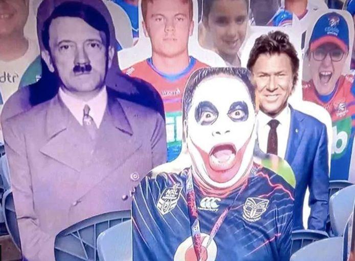 """L'incident s'est produit durant la diffusion de l'émission """"Sunday Night with Matty Johns"""" sur Fox Sports Australia. Les invités discutaient des figurines en carton placées dans les stades vides. Une image en noir et blanc du dictateur nazi avait alors été incrustée via un montage, ce qui a eu le don de faire rire les invités. Des images qui ont néanmoins choqué les téléspectateurs."""