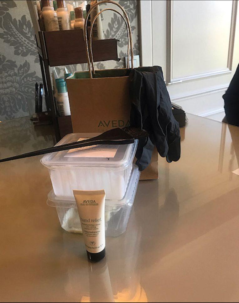Vervingpakket, gemaakt op maat van elke klant en met de nodige tools om je haar zelf te verven.