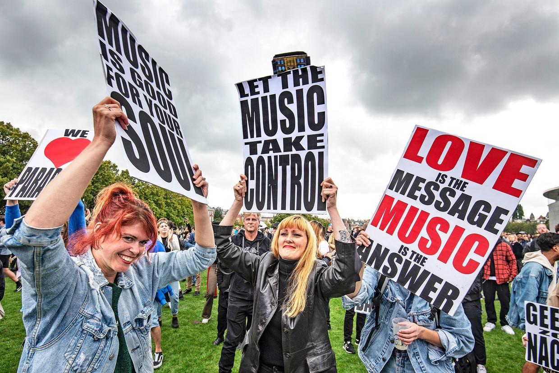 Manifestatie op het Museumplein. Beeld Guus Dubbelman / de Volkskrant