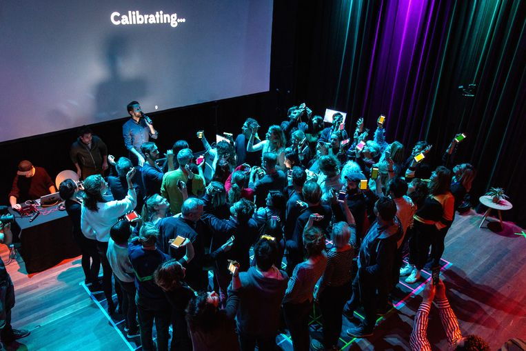 The Social Sorting Experiment door The Smartphone Orchestra. Beeld