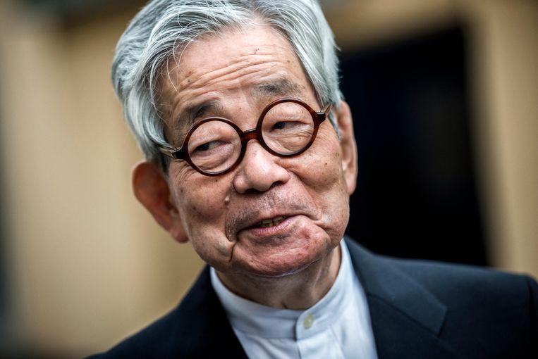 De Japanese auteur  Kenzaburo Oë won in 1994 de Nobelprijs voor de Literatuur. .  Beeld JEFF PACHOUD/AFP